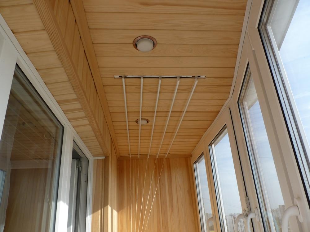 Обшить потолок балкона вагонкой своими руками